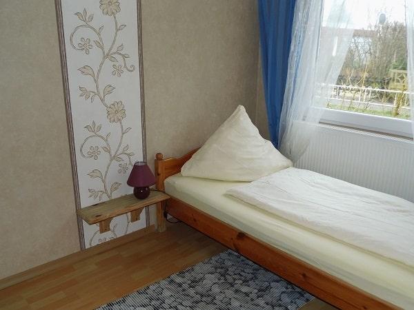 06 Einzelzimmer 1