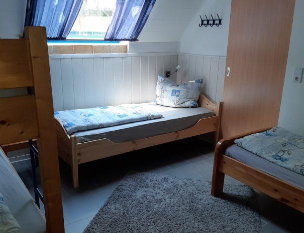 1.70 Schlafzimmer2 EG