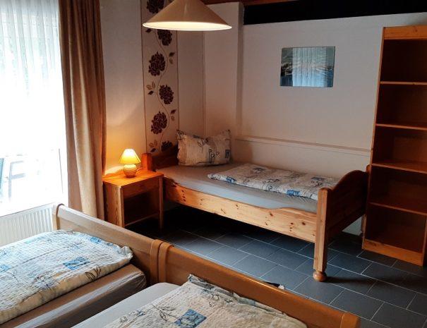 Schlafzimmer EG 3 Pers.
